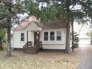 207 Village Rd Hinsdale 60527 House For Rent