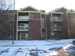 206 Glengarry Drive, Unit 105, BLOOMINGDALE 60108
